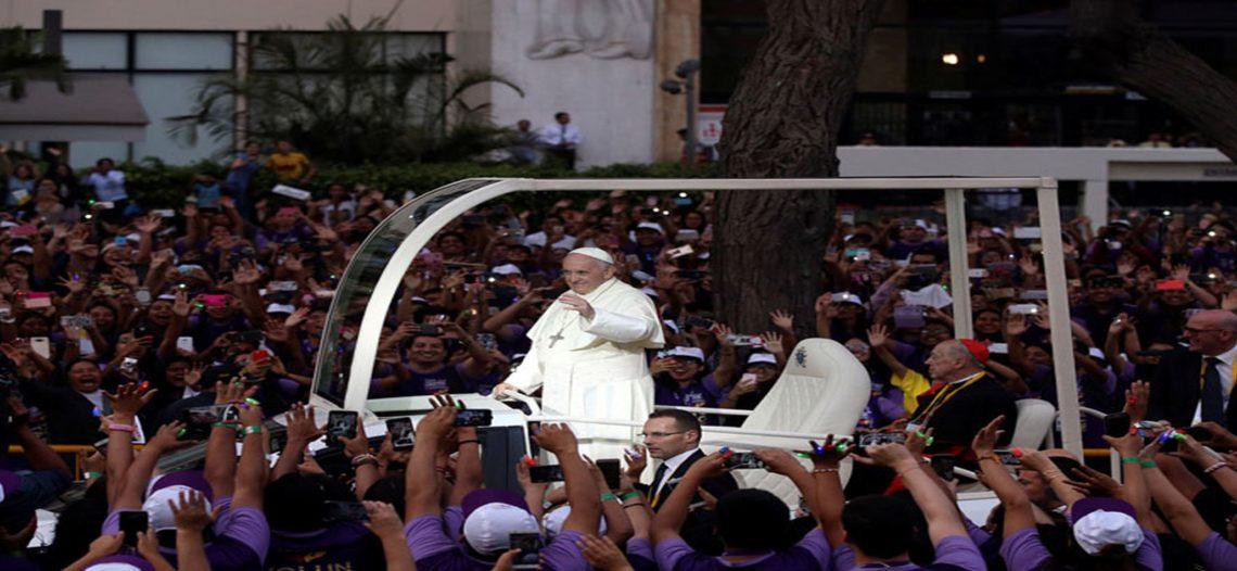 Aclaman al Papa Francisco en Lima