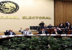 Notifica INE a independientes presidenciales sobre firmas