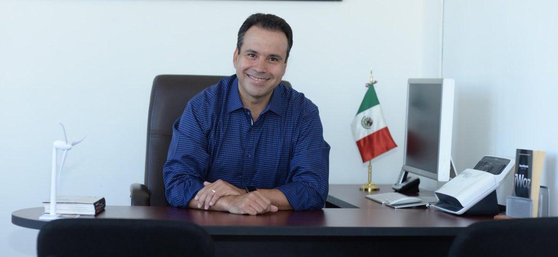 Renuncia Toño Astiazarán al PRI