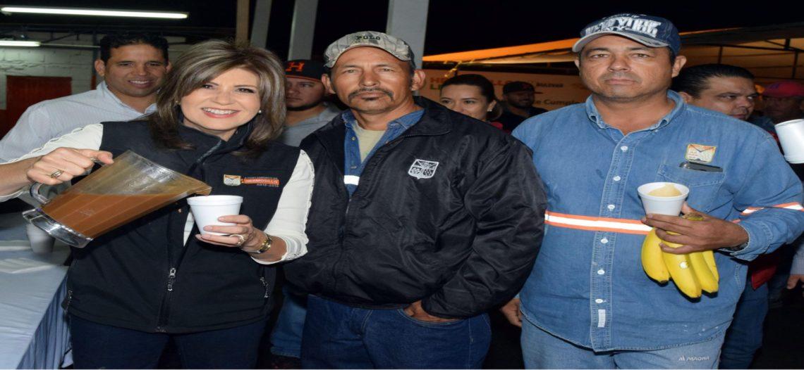 Celebra Presidenta Municipal a recolectores de basura