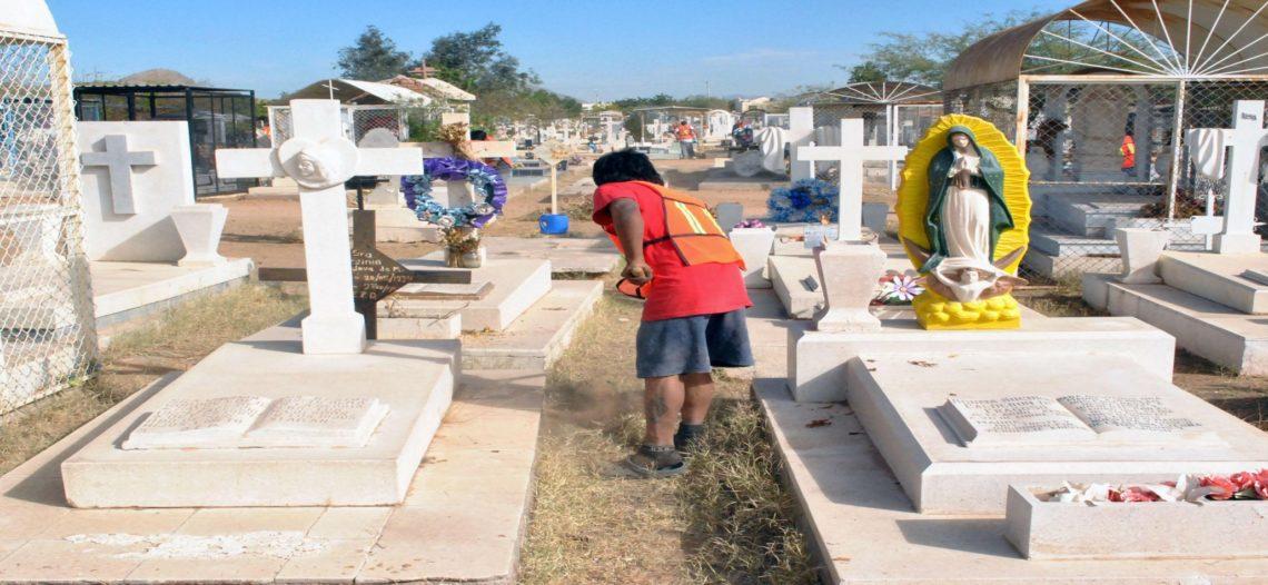 Prepara Servicios Públicos limpieza de panteones para Día de las Madres