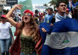 Estudiantes nicaragüenses quieren paz; exigen salida de Daniel Ortega