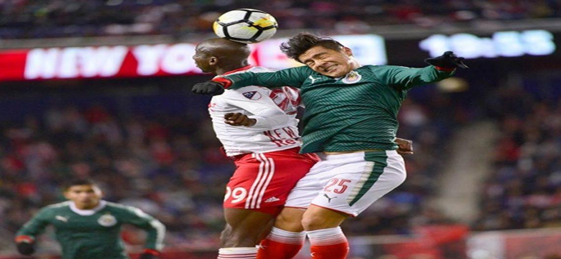 Con angustia, Chivas va a la final de la Concachampions
