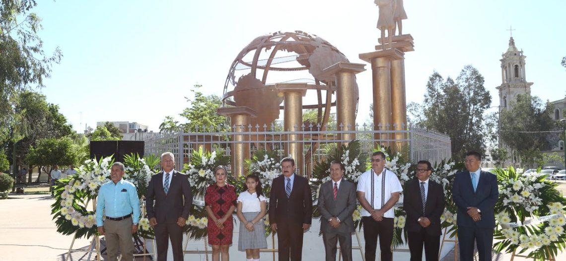 Conmemora SEC el 100 aniversario del Día del Maestro en México