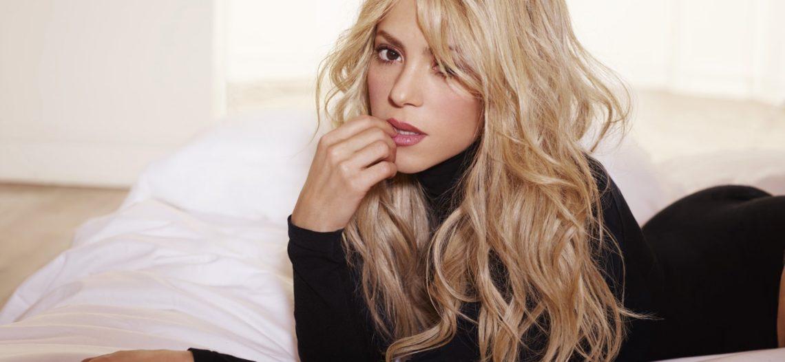 Halagan a Shakira por foto sin maquillaje