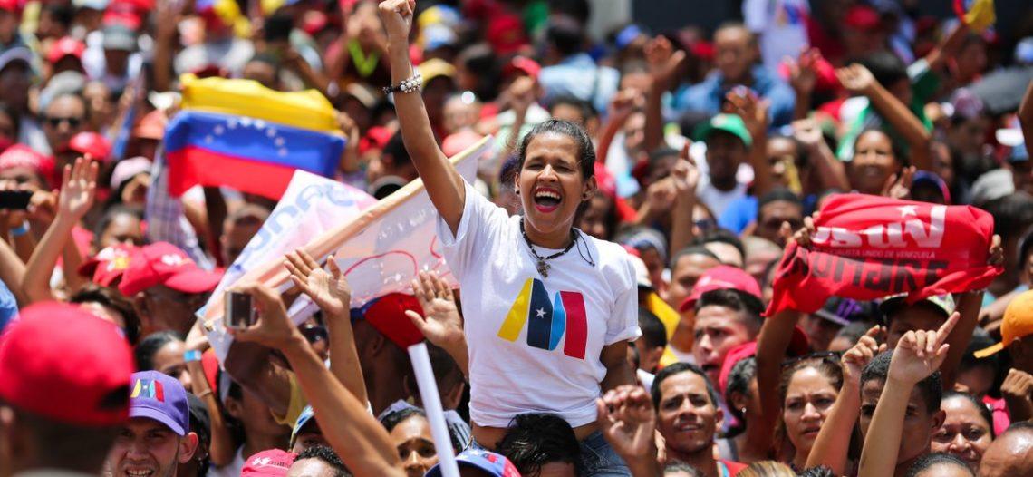 Opositores marchan en Caracas contra una elección 'amañada'