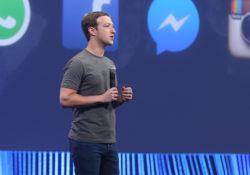 Acusan a Zuckerberg de crear 'sistema malicioso' en Facebook