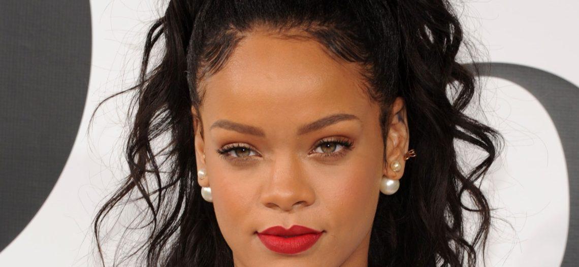 Rihanna lanza su propia línea de lencería