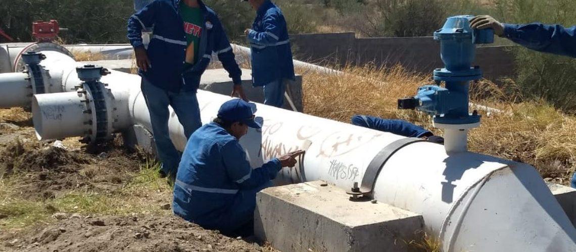 Avanzan los trabajos para regular la presión en línea de agua potable