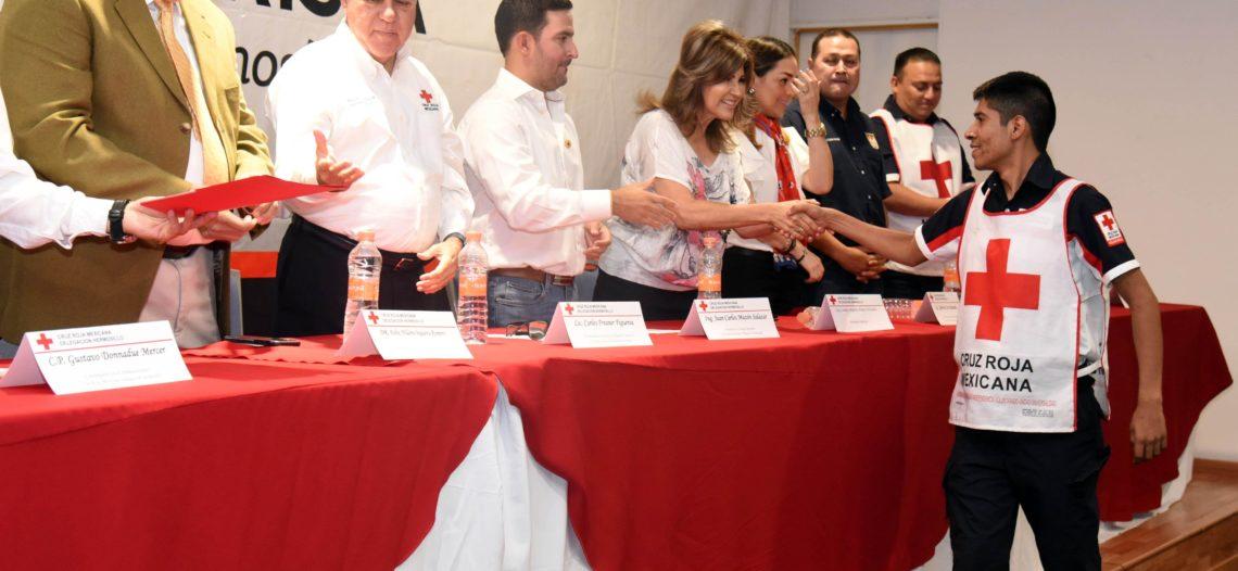 Reconocen a socorristas de Cruz Roja