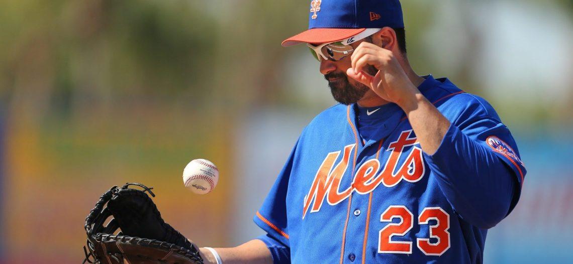 Mets dan de baja a Adrián González