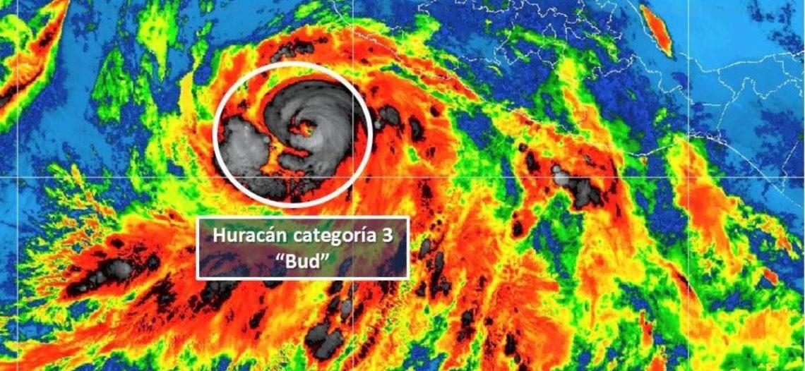 Se intensifica el huracán 'Bud' y ya es categoría 4