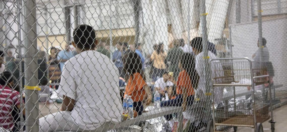 Donald Trump ordena reunir a familias