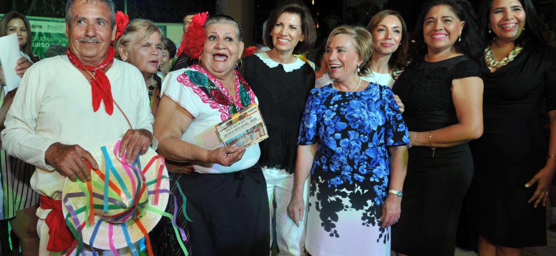 Realizan concurso de baile del adulto mayor en Navojoa