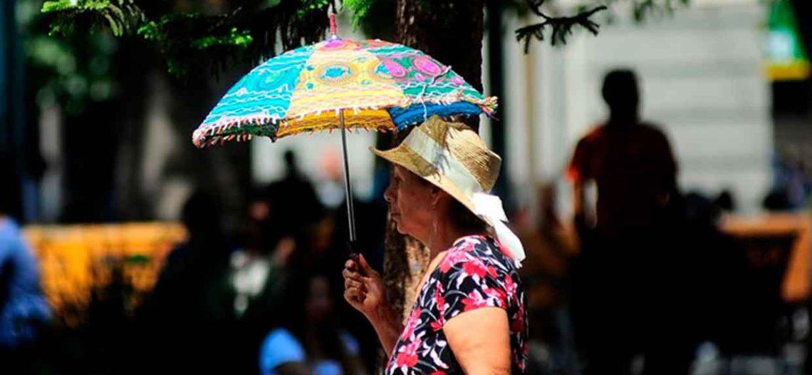 Persistirán onda de calor y fuertes lluvias en el país