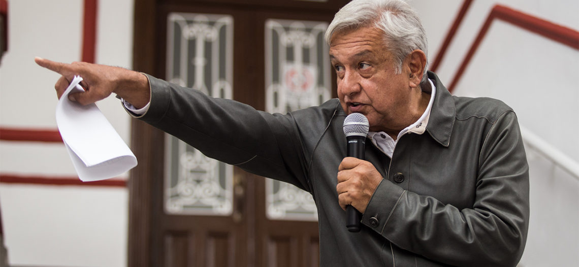 Consejeros, sin fundamento legal para aplicar multa: AMLO