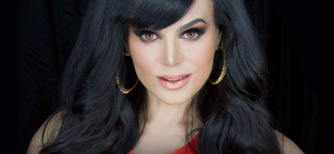 Maribel Guardia presume abdomen de acero