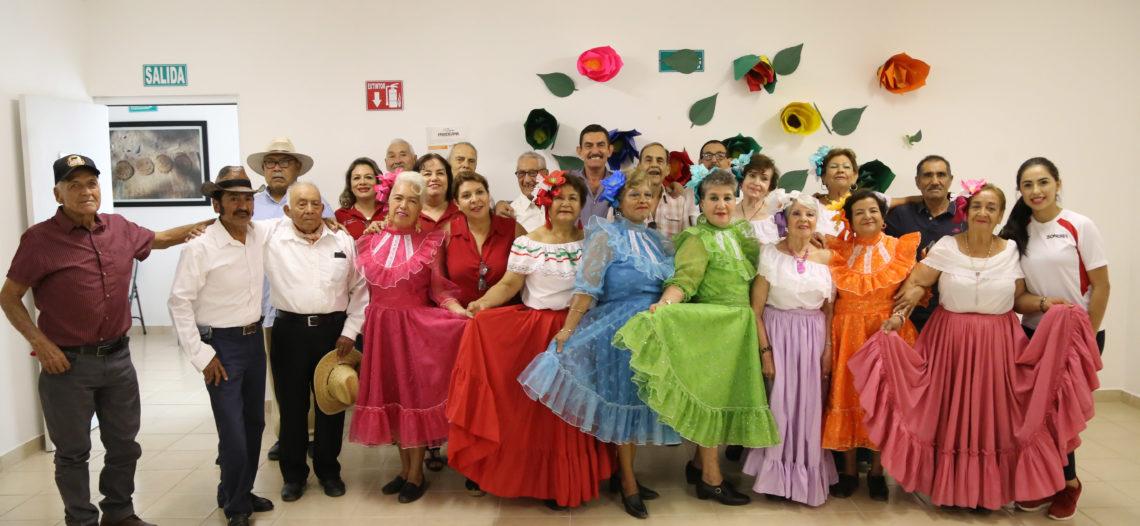 Debuta grupo de danza Nuevo Amanecer del CEDAM