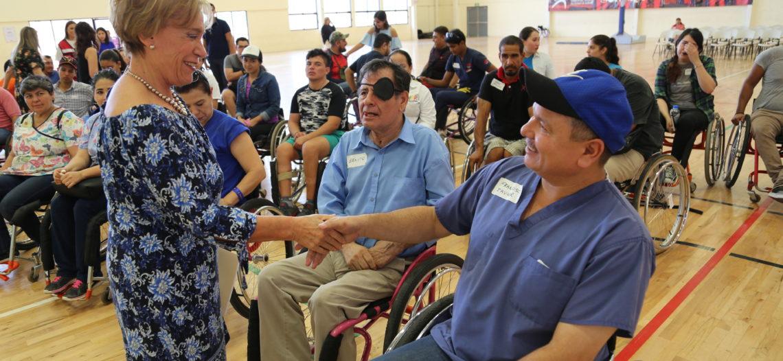 Brinda DIF Sonora taller para personas con discapacidad