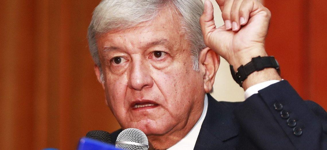 López Obrador pide a maestros 'cero ausentismo'
