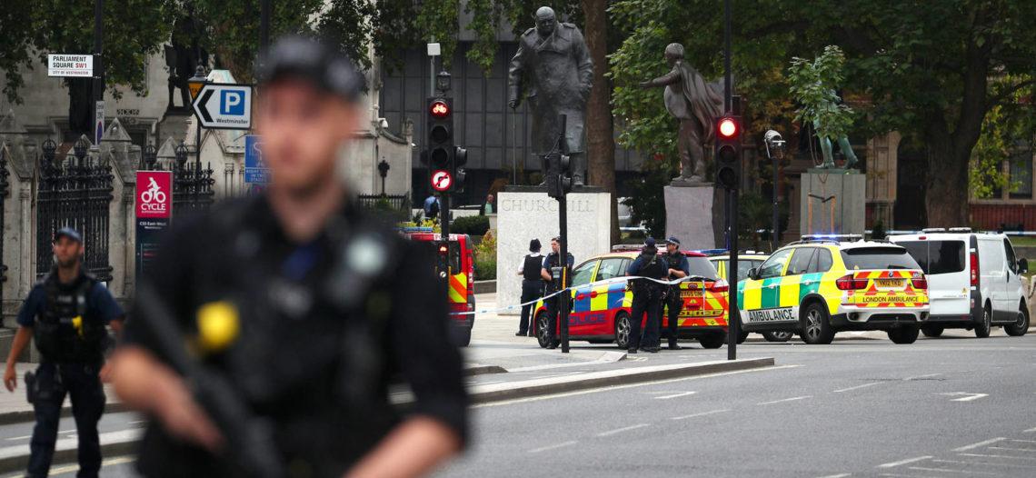 Atropellan a varias personas en Londres, en posible acto terrorista