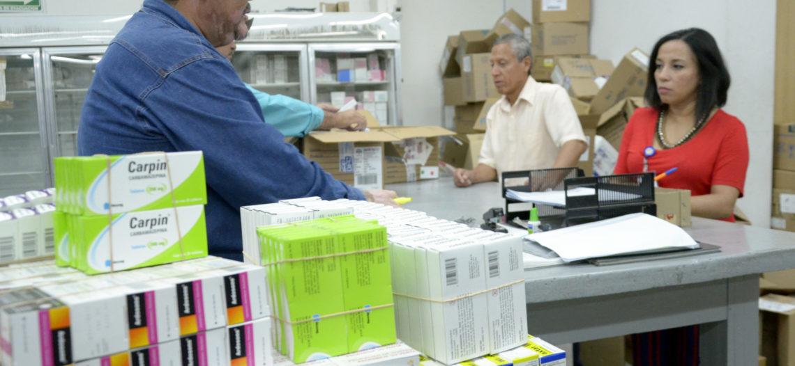 Certifica ISSSTESON abasto de medicamentos ante Notario