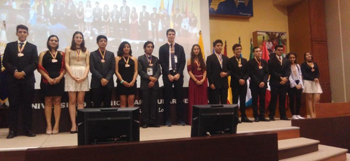 Logra egresada del Cobach bronce en Iberoamericana de Biología