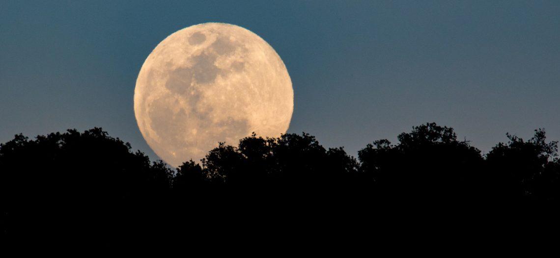 Luna llena, entre los fenómenos astronómicos del otoño 2018