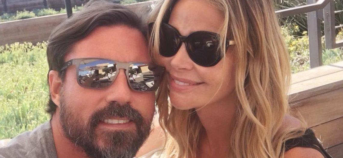 Denise Richards se casa en Malibú con Aaron Phypers