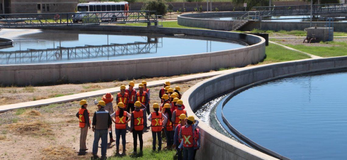Visitan  instalaciones de la PTAR estudiantes de la UES