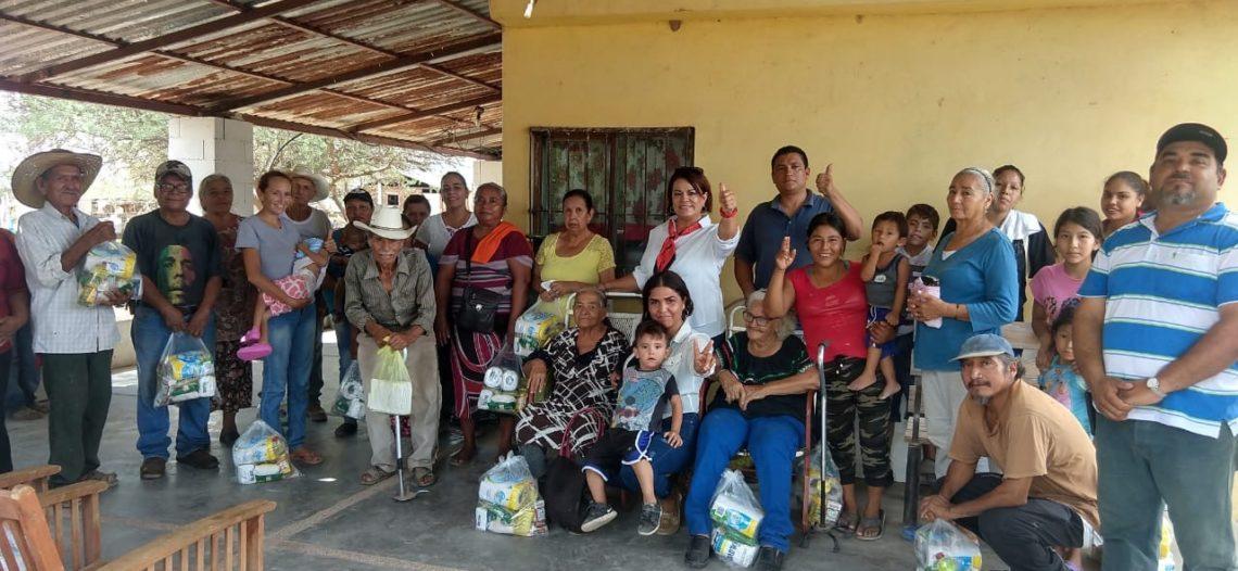 La Diputada Magdalena Uribe entregó apoyos a familias de la zona rural