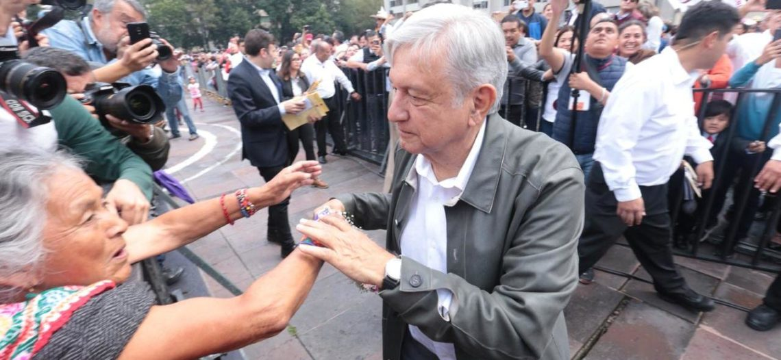 López Obrador realiza gira de agradecimiento por Pachuca