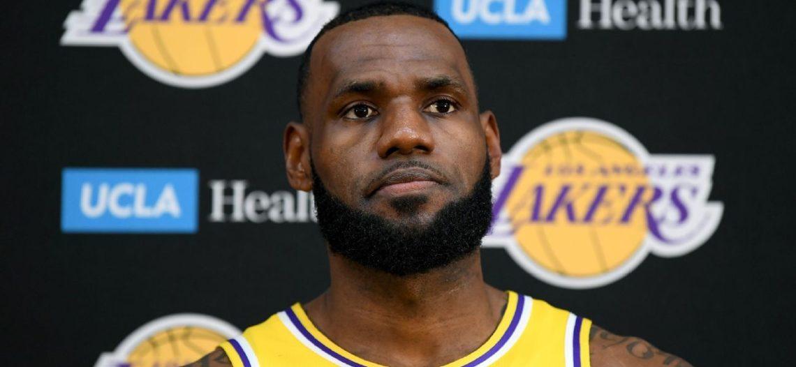 Inicia nueva era en los Lakers con LeBron