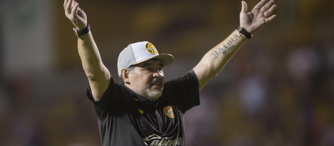 Maradona pide apoyo para damnificados de Sinaloa