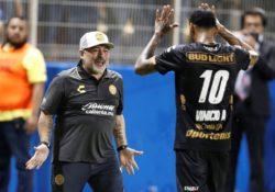 Maradona se saca un 10 en debut con Dorados