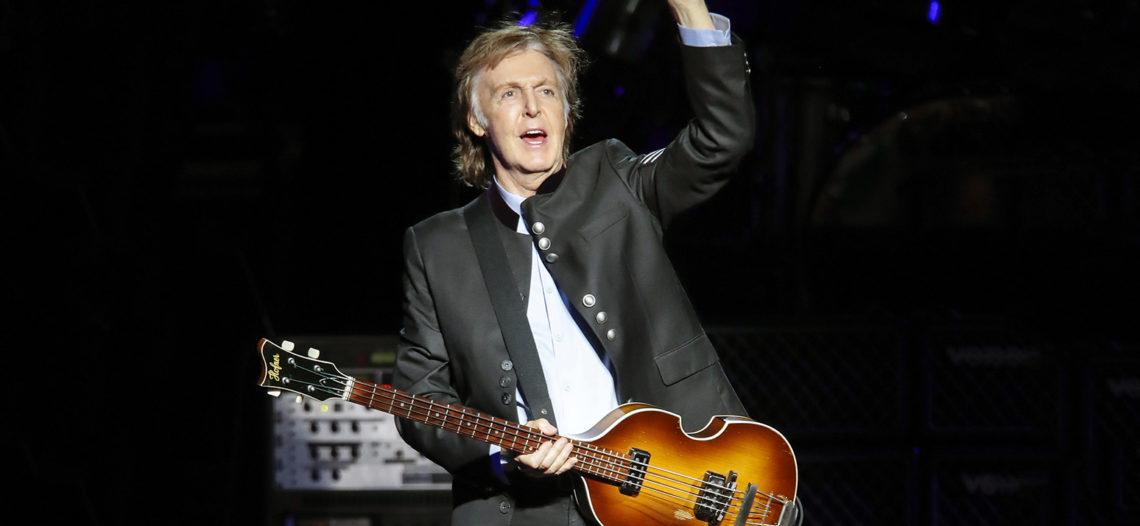Paul McCartney sorprende con 'show' en el metro de Nueva York