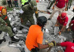 Derrumbe en Monterrey deja siete muertos