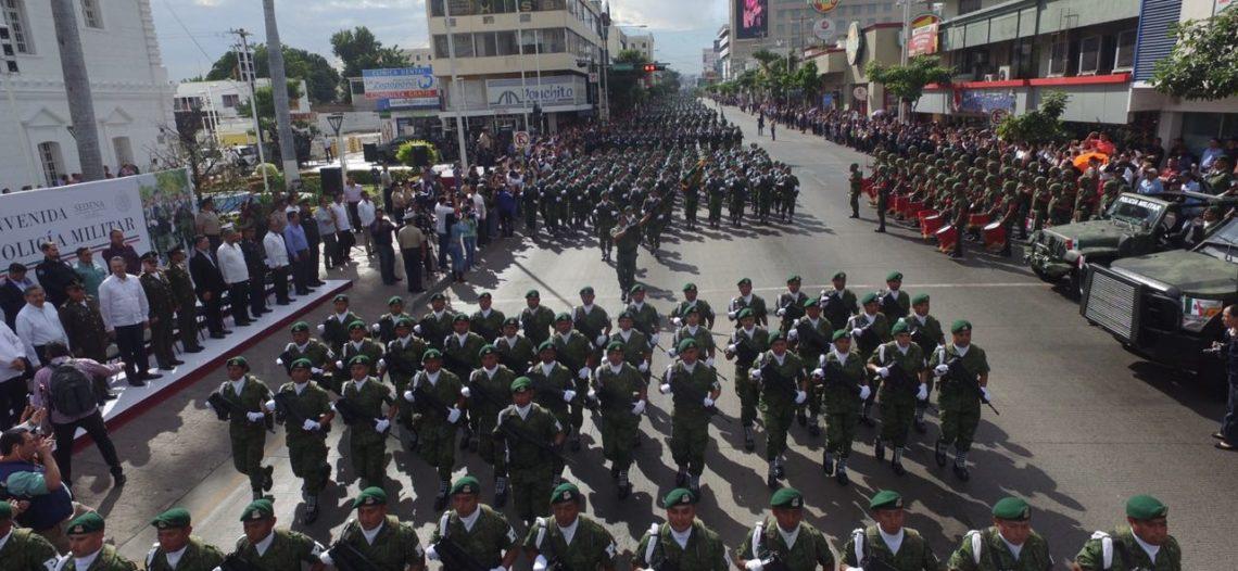 Sinaloa da la bienvenida a la Policía Militar con desfile
