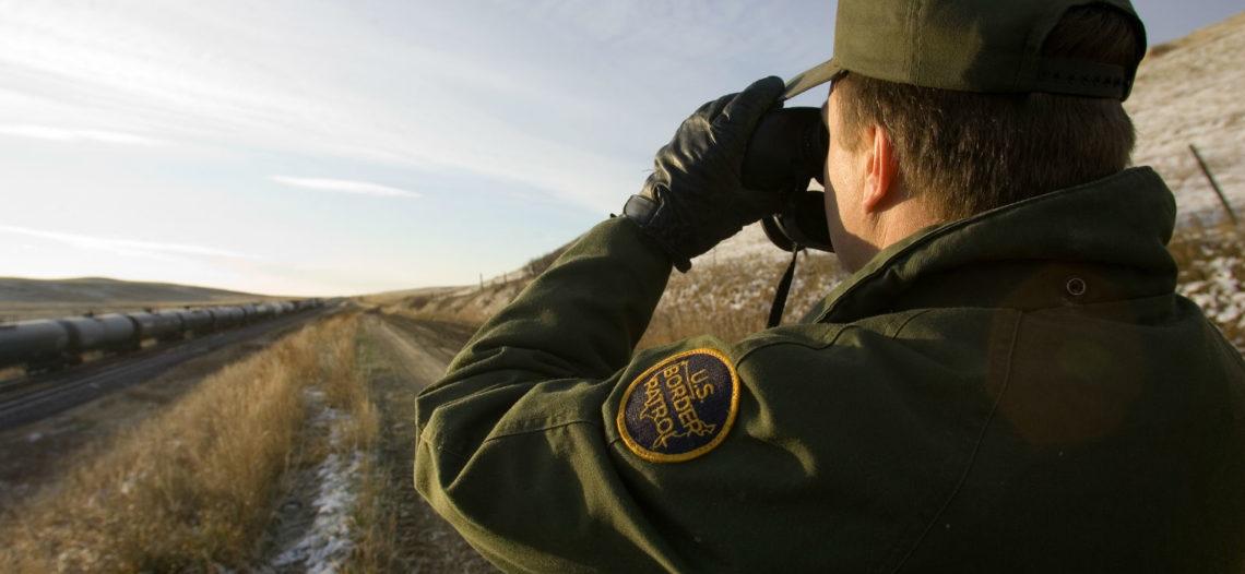 Patrulla Fronteriza se declara superada por migrantes