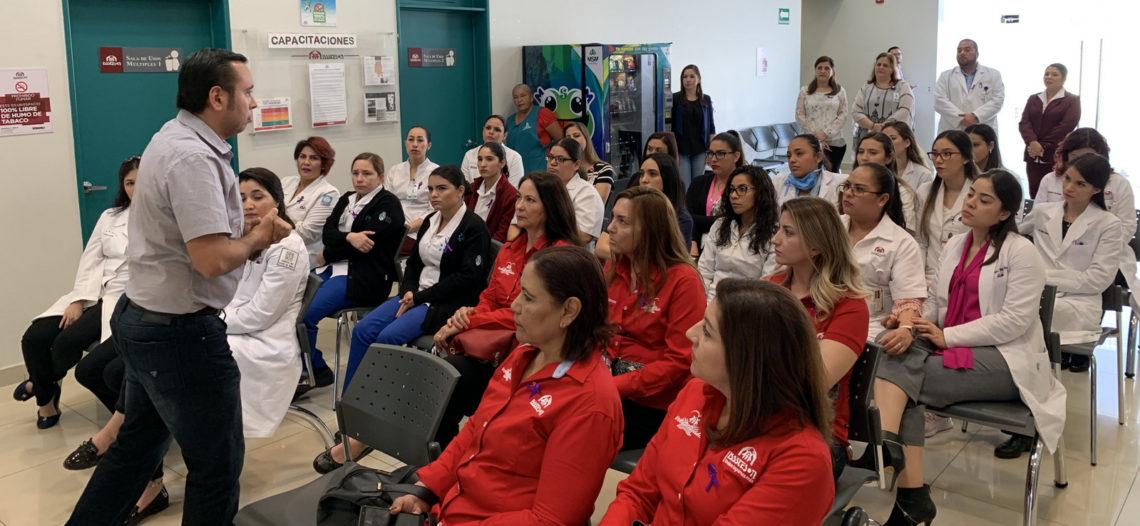 Orienta Isssteson a mujeres en el cuidado de su salud