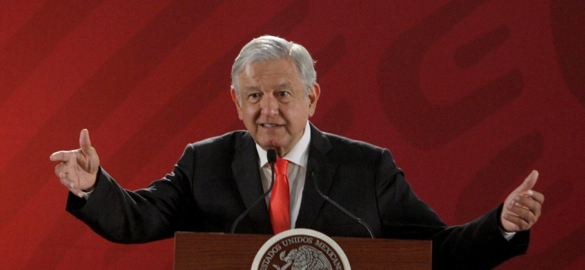 Ofrece no limitar a calificadoras; Andrés Manuel López Obrador