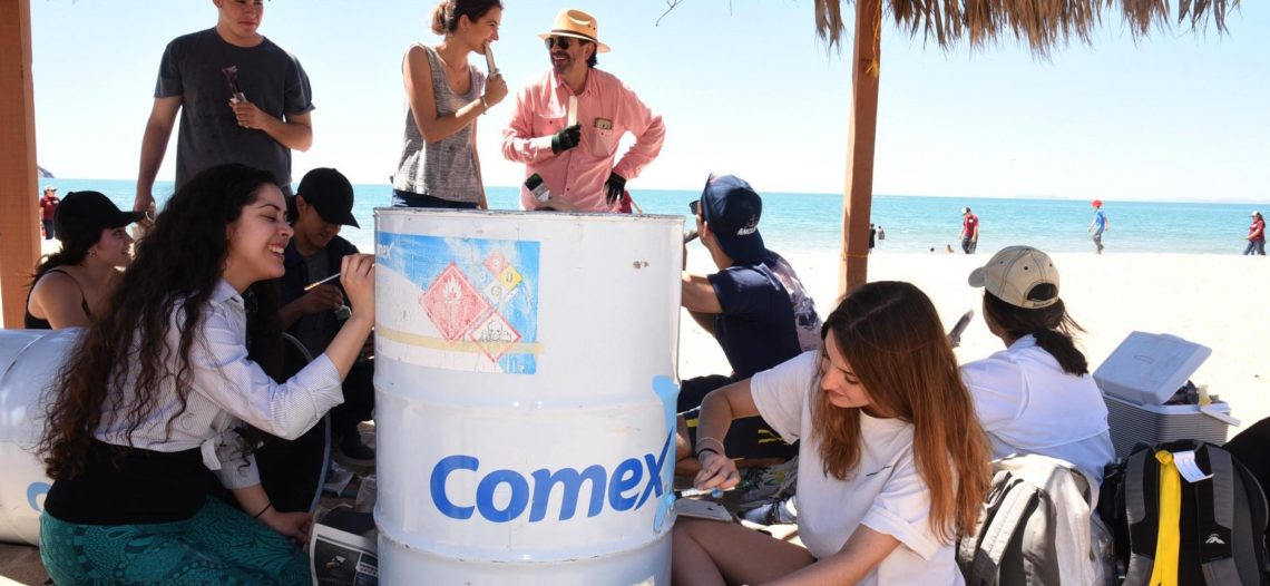 Plasman arte en contenedores para Bahía de Kino