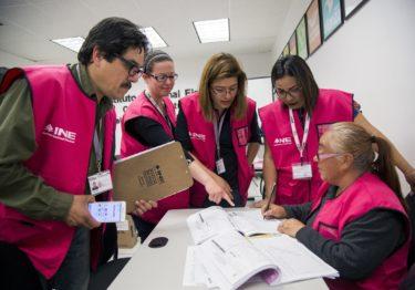 Completa INE funcionarios de casilla para elecciones del 2 de junio