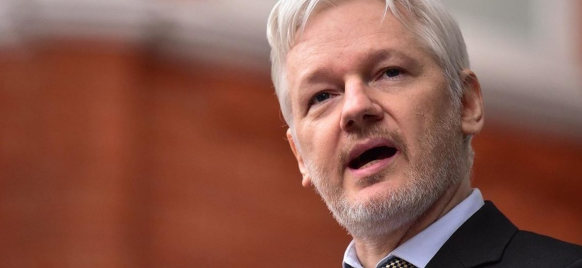 Advierte Maduro que Assange corre peligro de muerte en EU
