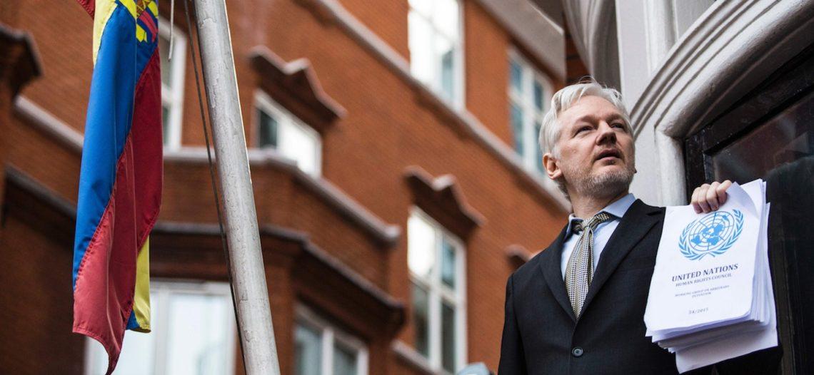 Ecuador incauta bienes de Julian Assange
