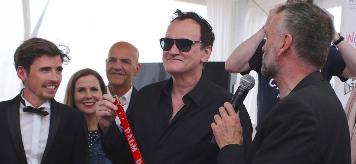 Otorgan a Tarantino premio canino en Festival de Cannes