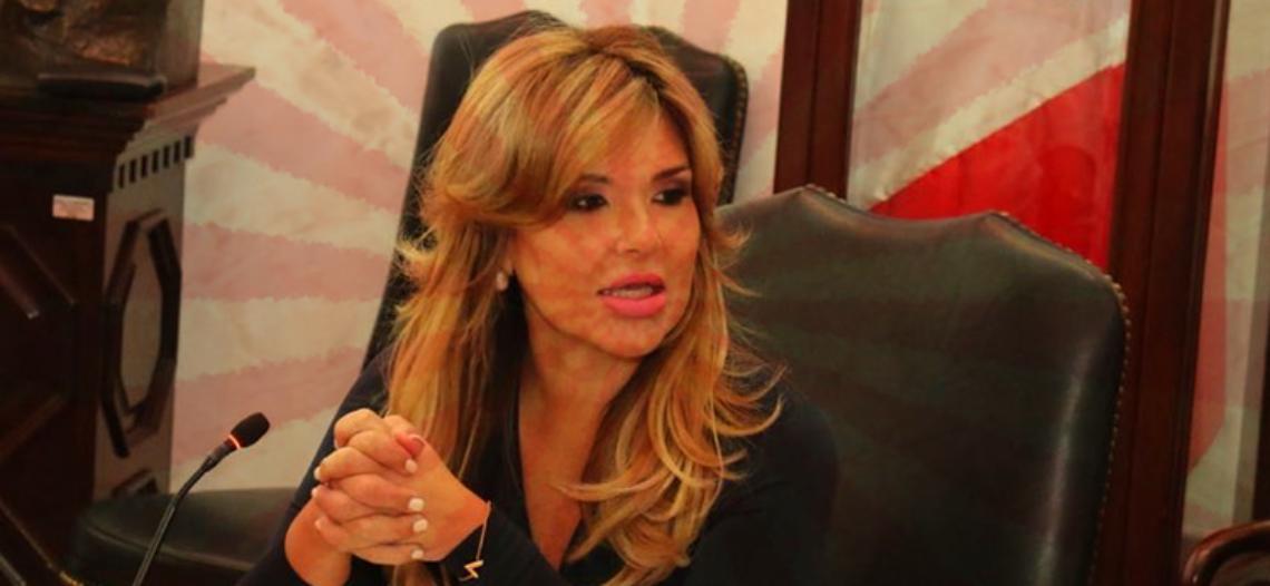 """Trabajan o se van, advertencia de Claudia a """"ninis"""" de su gabinete"""