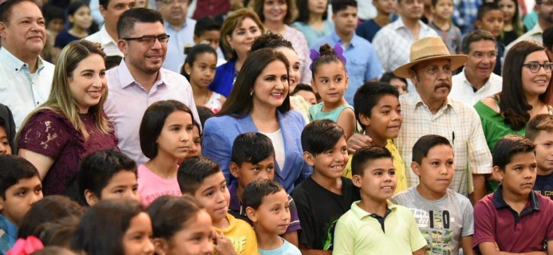 """Presenta alcaldesa Celida López el programa """"Tutor Afectivo"""""""