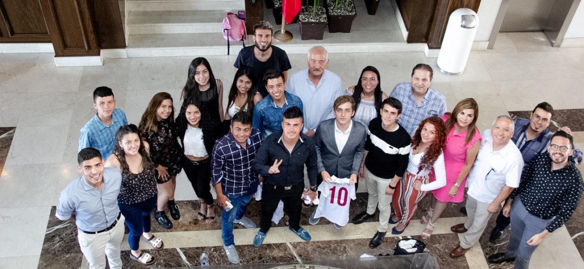 Recibe UES a estudiantes extranjeros de intercambio
