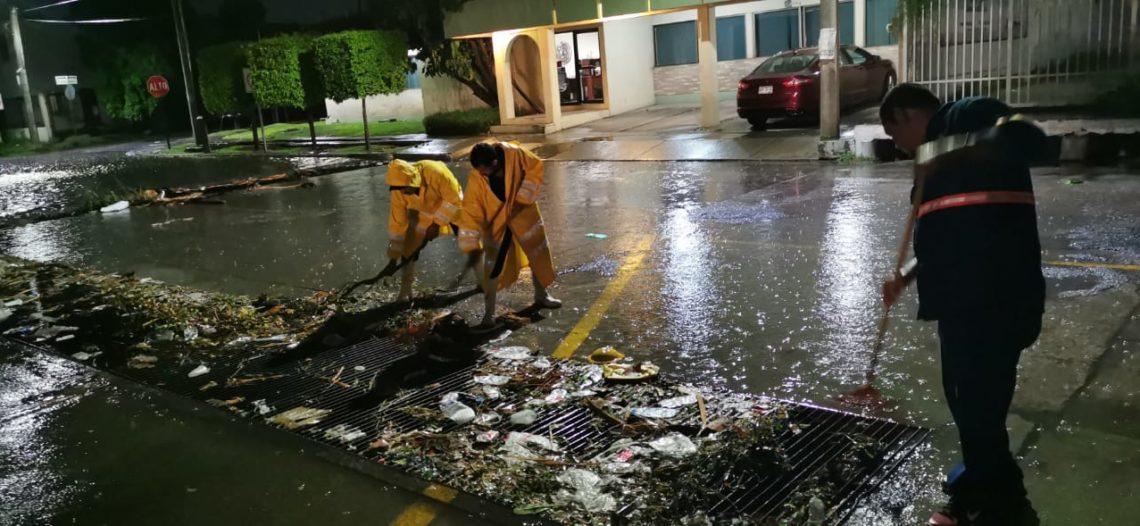 Atiende Ayuntamiento reportes de daños por fuertes vientos y lluvia
